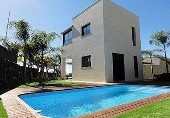 4 bedroom Villa for rent in Playa de Las Americas