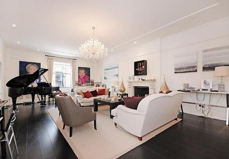 Apartment in Brownswood, London