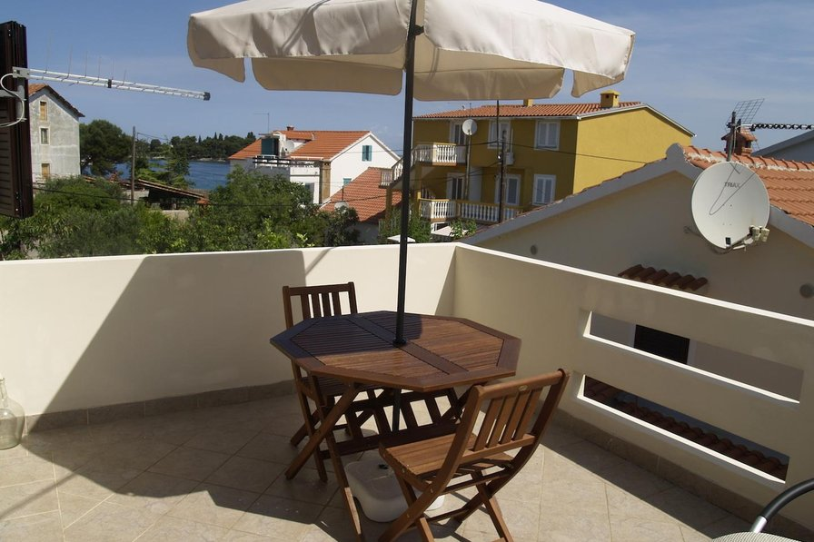 Step from the sea, 2bed apartment Majo