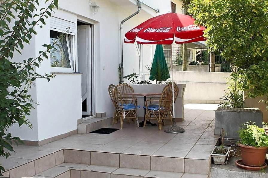 2bed, Step from the Beach apartment Leda