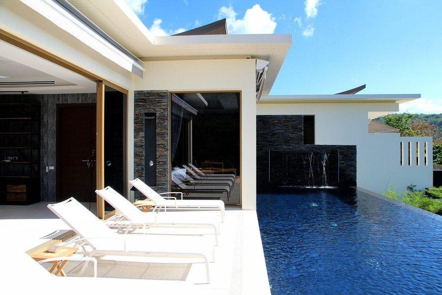 Villa in Thailand, naithon