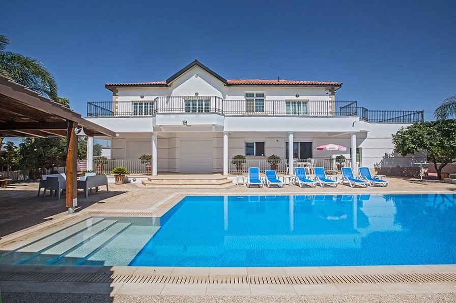 Owners abroad Papas Family Villa, 5 Bed, Wheelchair Accessible