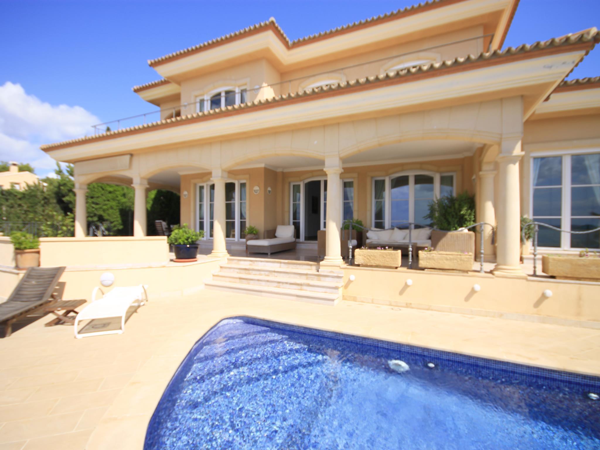 Бронирование дома в испании