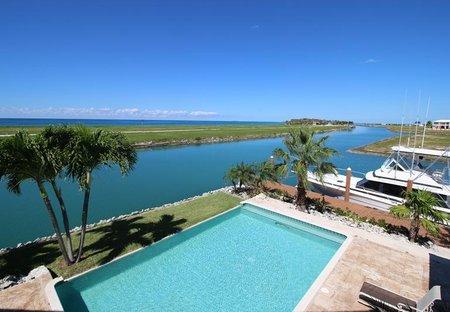 Villa in Grand Bahama, Bahamas