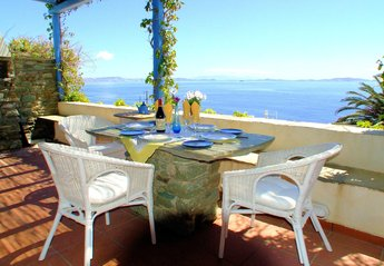 Villa in Greece, Tinos Island: Large terrace with stunning views