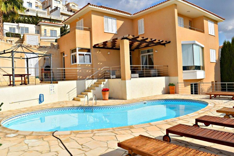 Villa in Cyprus, Peyia