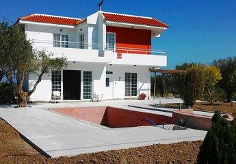 4 bedroom Villa for rent in Kalavarda