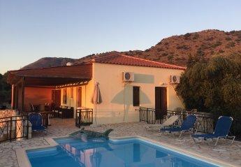 4 bedroom Villa for rent in Almyrida