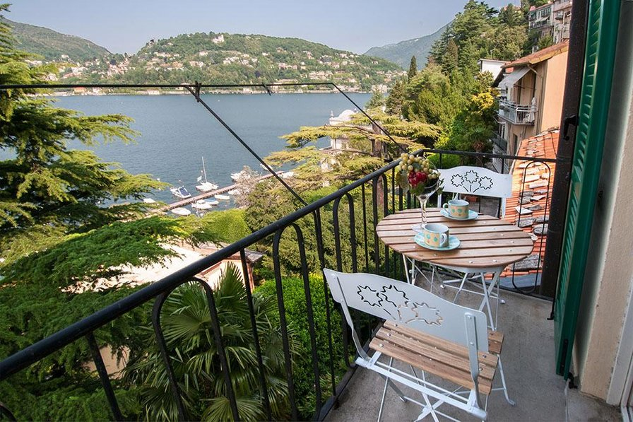 Apartment in Italy, Como