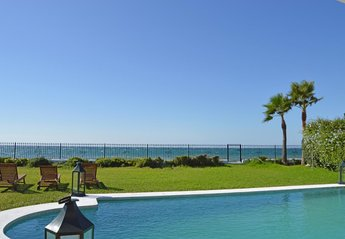 7 bedroom Villa for rent in Estepona