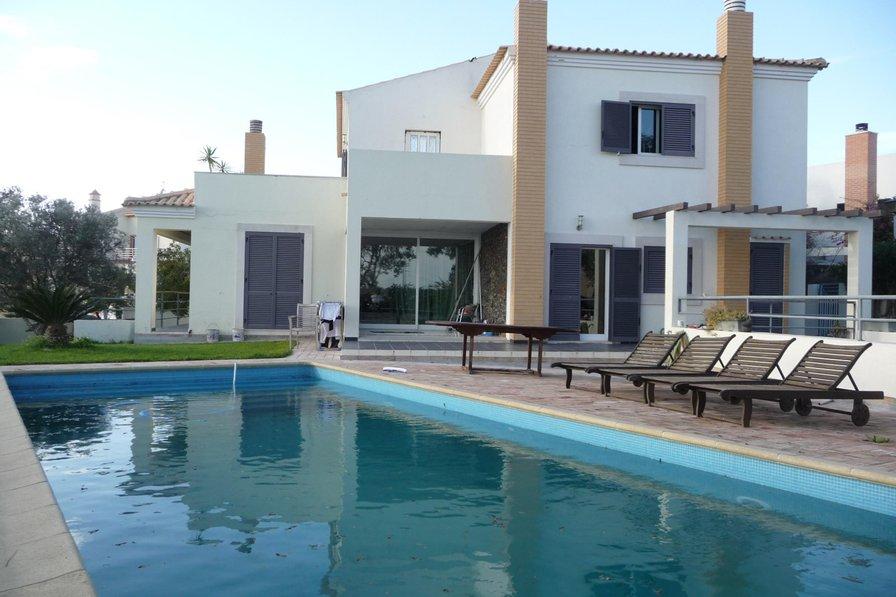 Villa in Portugal, Armação de Pêra