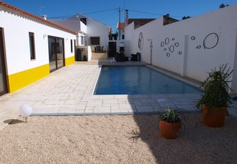 House in Portugal, Chão da Parada: Quiet village location away from the crowds