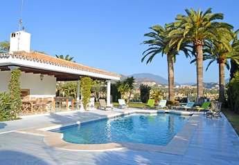 5 bedroom Villa for rent in Las Brisas Club