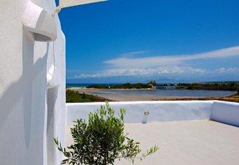 4 bedroom Villa for rent in Paros