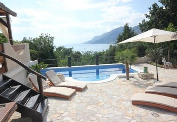 4 bedroom Villa for rent in Brela
