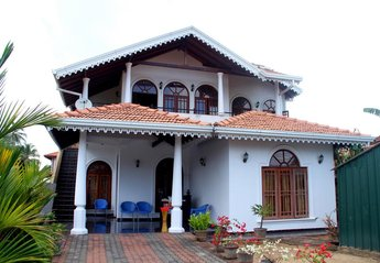 Town House in Sri Lanka, Western coast: outside view