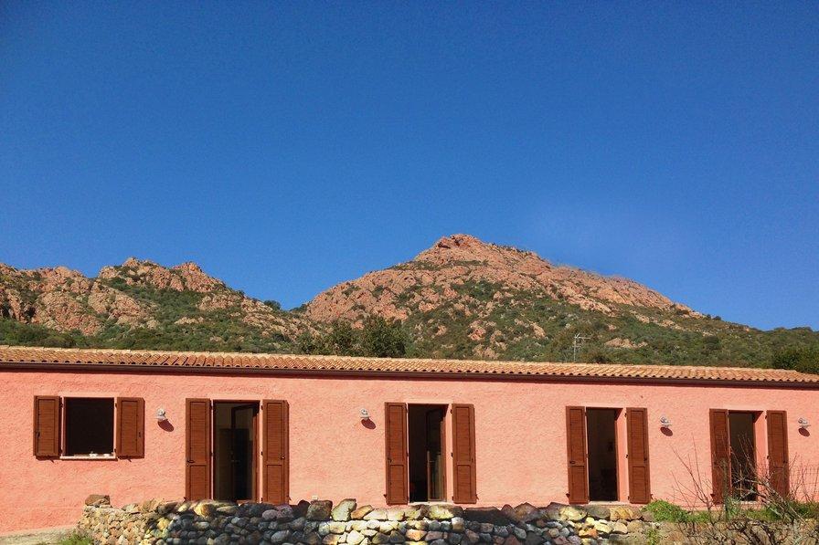 Lo Stazzu Rosa - tradicional house in Gallura north west Sardinia