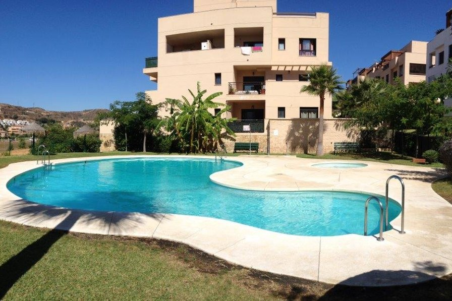 2 bed apartment in La Cala de Mijas walking distance to beach