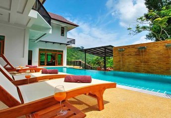 8 bedroom Villa for rent in Patong