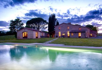 9 bedroom Villa for rent in Buonconvento