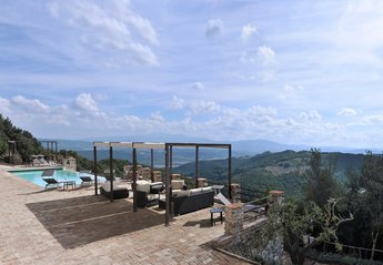 7 bedroom Villa for rent in Civitella Paganico