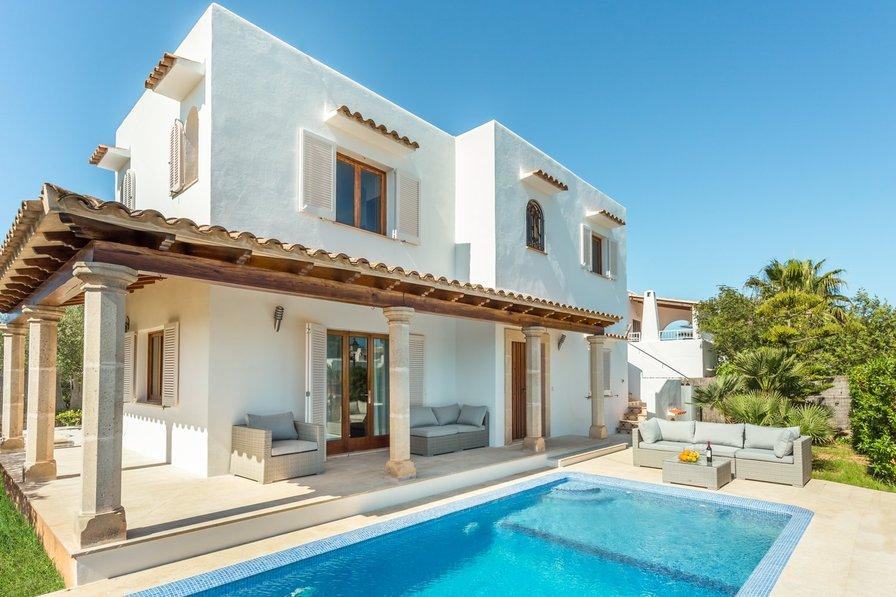 VILLA RUSSADIR, CALA D'OR, 300sqm/3230sqf, 4 BIG FAMILIES, CENTER