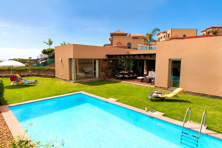 villa to rent in golf resort salobre sur gran canaria