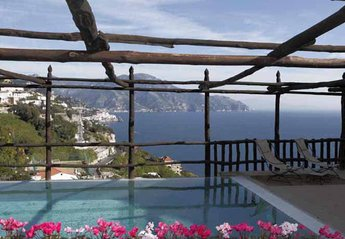 Villa in Italy, Amalfi: 01 Villa Alfa pool area with sea view