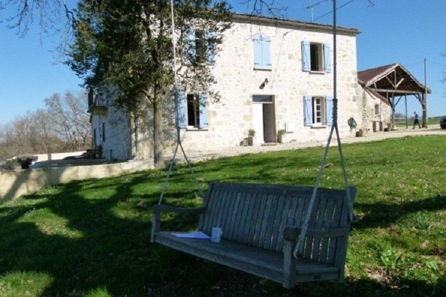 Farm house in France, Castera-verduza