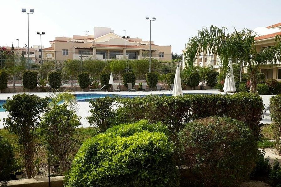 Modern ground floor 1 bed room apartment with pool & tennis court