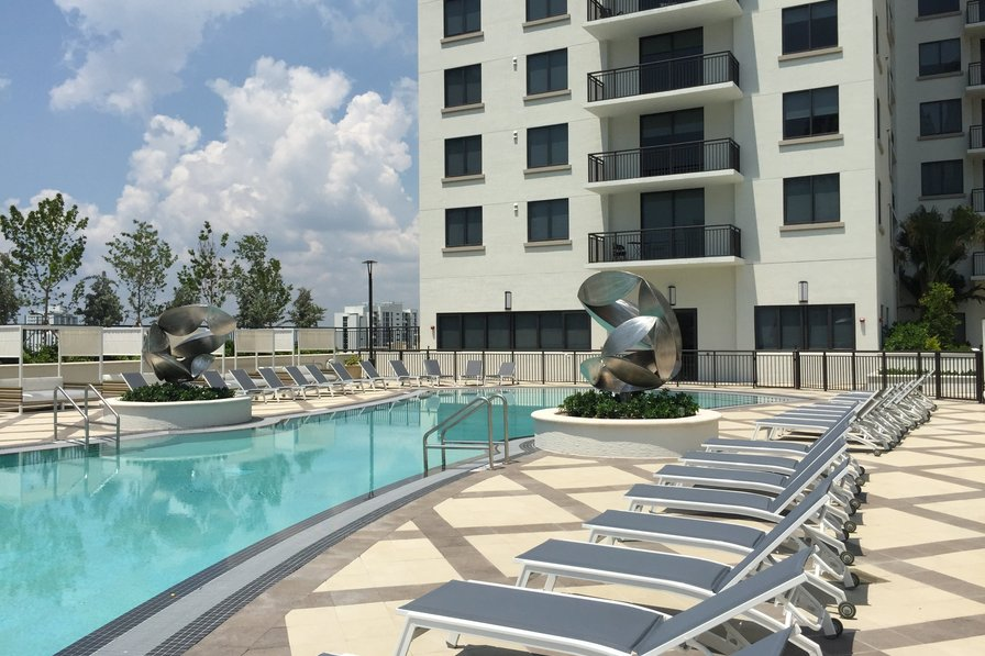 3 bdrm apartment Heart of Brickell Miami w/ Parking