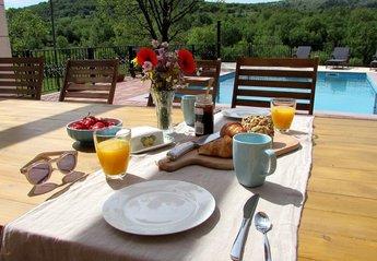 Villa in Croatia, Tijarica: Breakfast at the pool side - Villa Tijara, Dalmatia