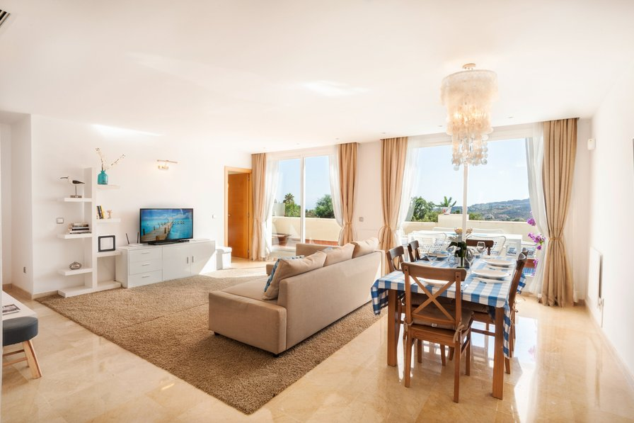 Ocean Pines - a quiet holiday apartment with stunning views