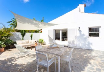 0 bedroom Villa for rent in Arona