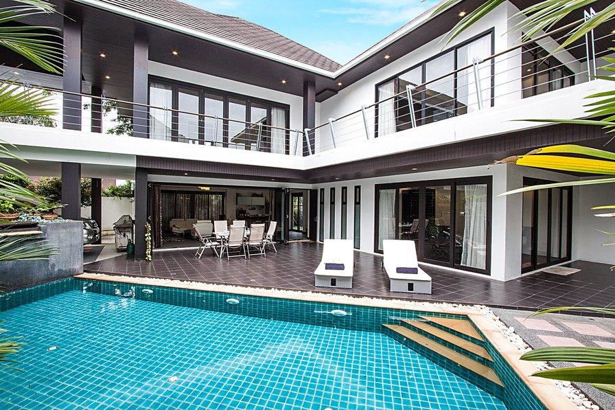 Villa in Thailand, Layan