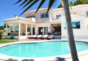 6 bedroom Villa for rent in Troia