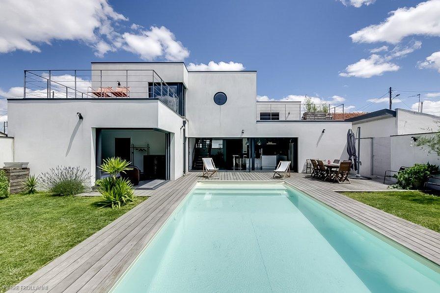 House in France, Merignac