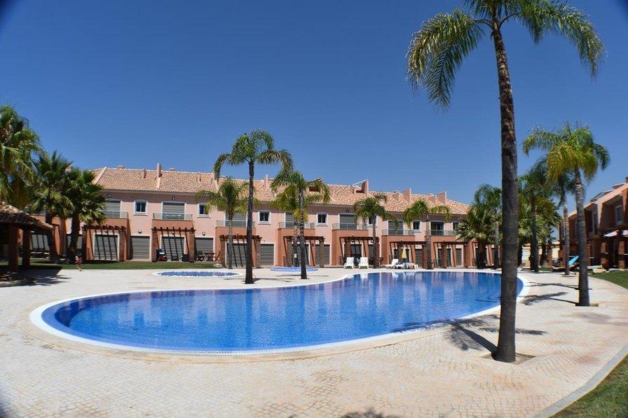 Villa in Portugal, Mouraria