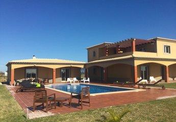 Villa in Portugal, Areias de Pera