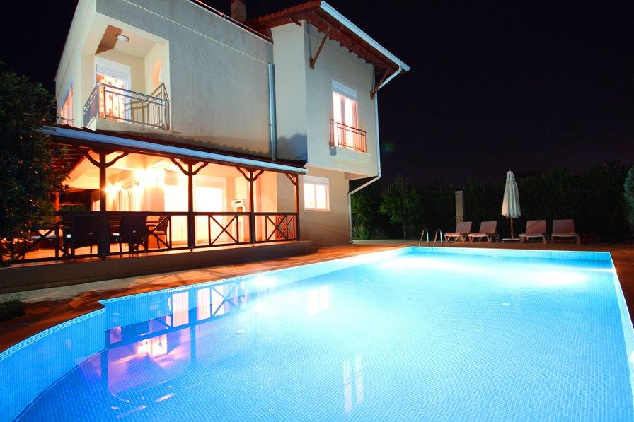 Paradise Town Lisa Villa