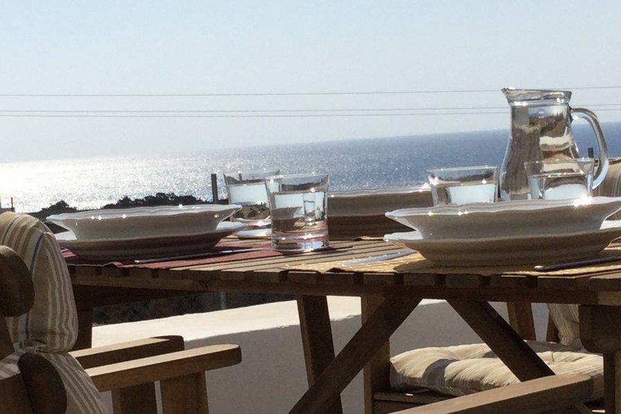 Sea Breeze Villa West: Brand new! Great beach, Aegean Sea view...