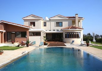 Villa in Cyprus, Emba