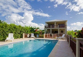 Villa in Barbados, Lower Carlton: Pool and Villa