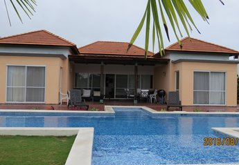 Villa in Panama, Farallon: 15 m Pool and Terrace