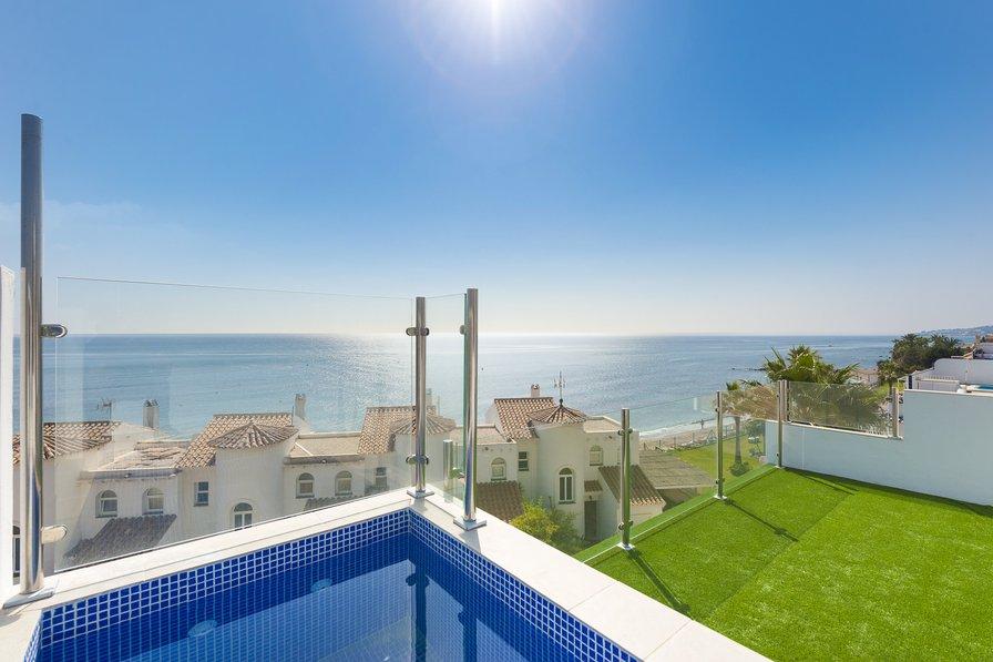 6 bed 6 bath beachside house close to La Cala de Mijas