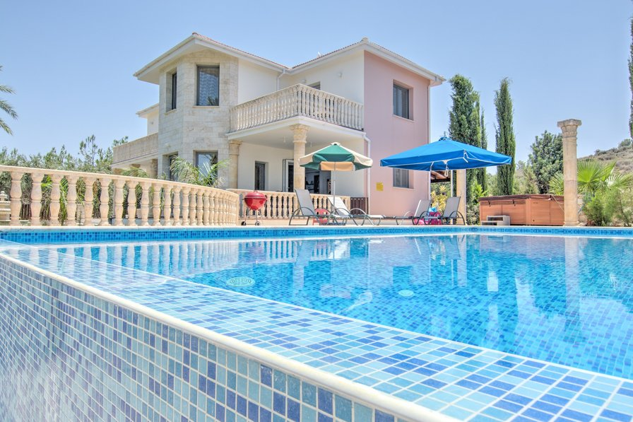 Villas in cyprus and cyprus holiday apartments from owners for Villas opal