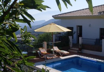 3 bedroom Villa for rent in Comares