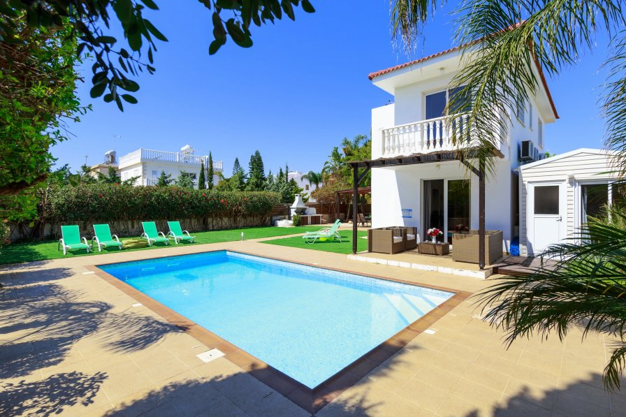 Villa Sofia - 3/4 Bedrooms - Large Pool - 300m from Nissi Beach