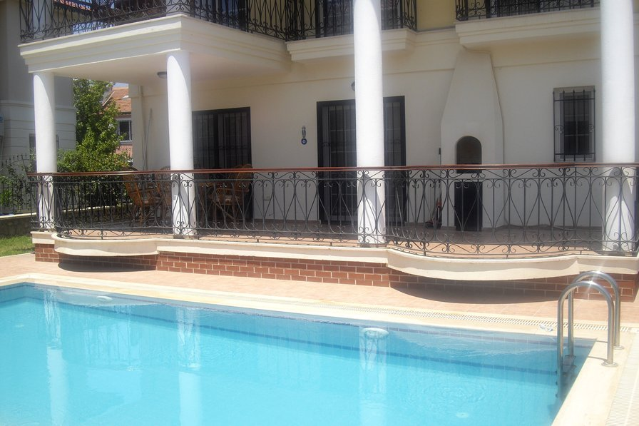 Alexpeth Villa, detached 3 Bed Property with private pool