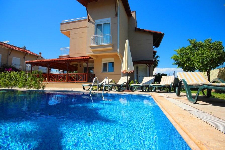 Paradise Town Gordon Villa